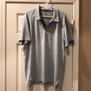 Oakley golf shirt, in excellent condition XXL